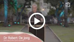 Dr Robert De Jong