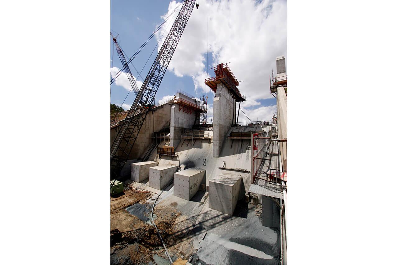 Ross River Dam - Spillway Upgrade (2007)