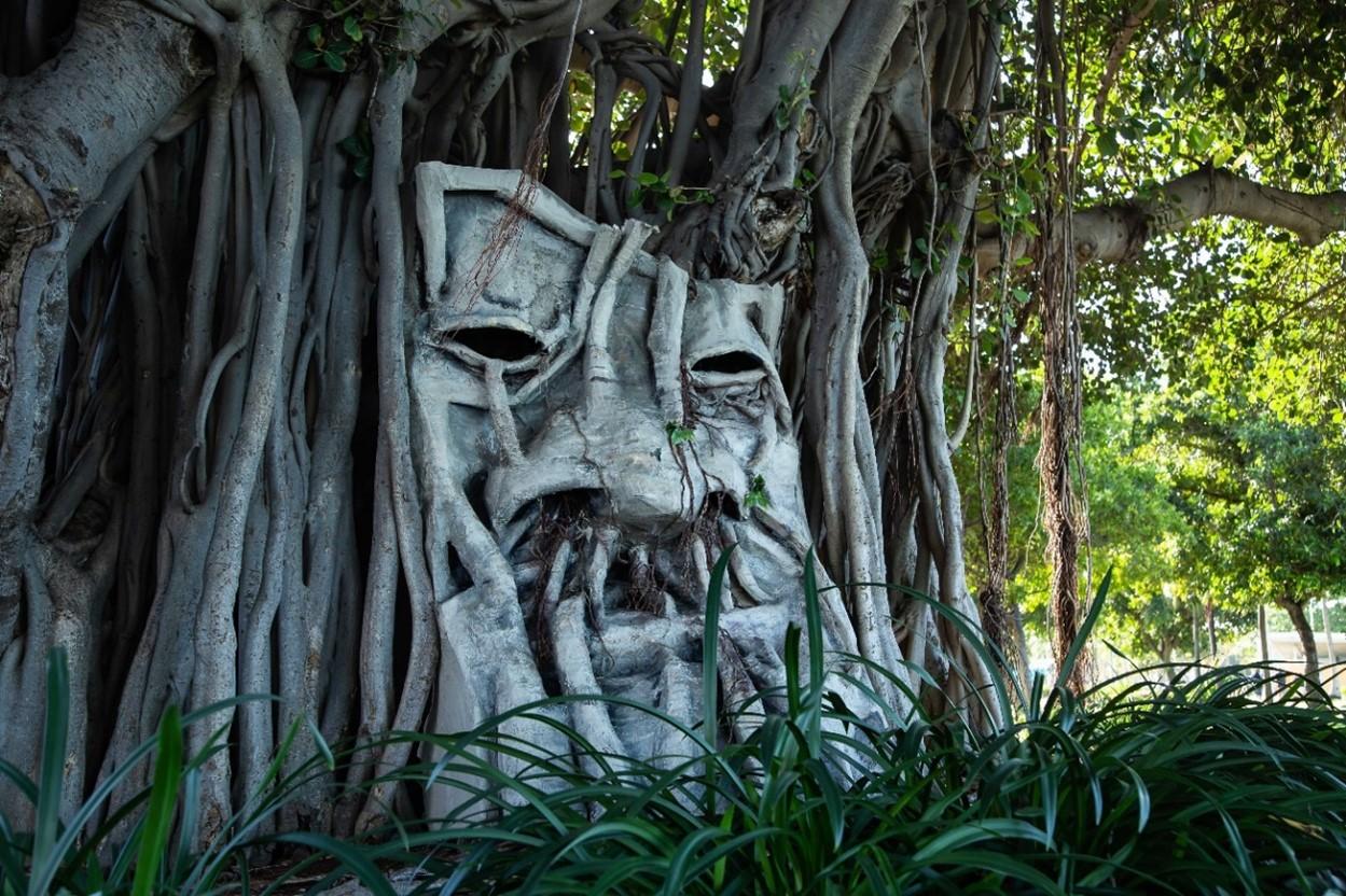 Scarewood - Tree & Leaf - Mixed media