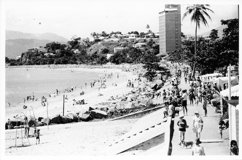 the start of the Dunk Island Race on the strand 1972